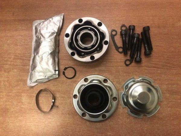 BMW-Rear-Propshaft-Rear-CV-Joint-108mm-diameter-28-splines-with-Gaiter-183465110958